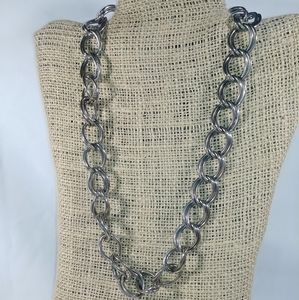 Jewelry - Double link silver tone chain necklace